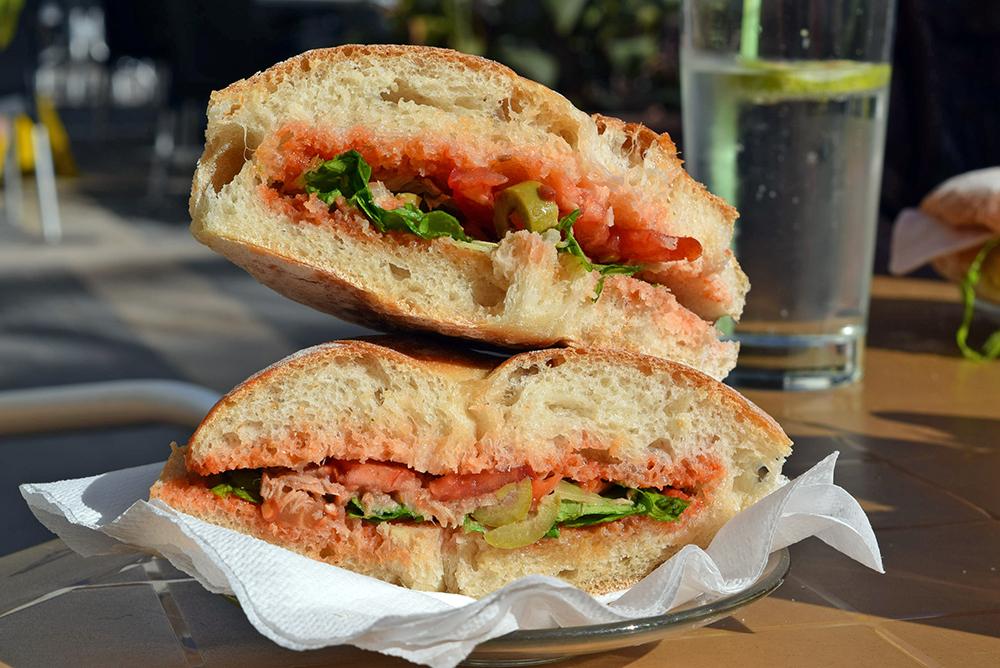 Ftira sandwich
